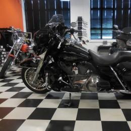 Harley-Davidson FLHT 1584 -09 H.16800e myyty!!