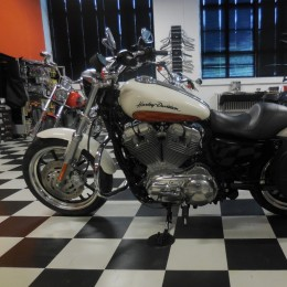 Harley-Davidson XL883 Super Low -11 H.7900e myyty!!