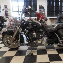 Harley-Davidson FLHRC 1584 -09 H.15800E