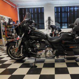 Harley-Davidson FLHX 1690 -13 H.19800E myyty!!