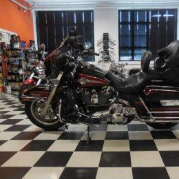 Harley-Davidson FLHTCUI 1450 -05 H.11450e myyty!!