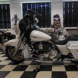 Harley-Davidson FLHX 1584 -08 H.13800e myyty!!!