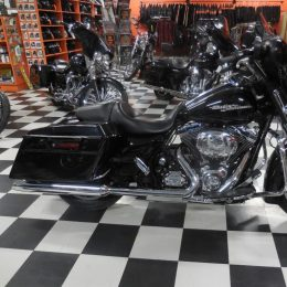 Harley-Davidson FLHX 1690 -13 H.18950e myyty!!