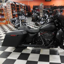 Harley-Davidson FLHX 107 -17 H.26800e myyty!!